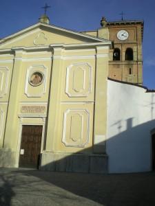 Grazzano Badoglio Chiesa dei santi Vittore e Corona; dietro il campanile romanico
