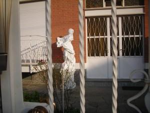 ecco proprio una statua