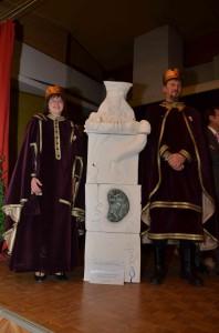 Il conte Roberto e Perinzia con il dono