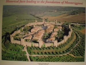 Monteriggioni Locandina dall'alto