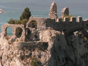 Rovine del vecchio Castello di Duino