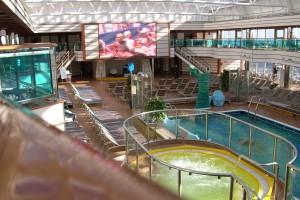 la piscina e la vasca idromass.
